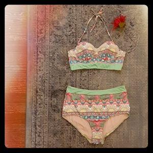 NWOT Modcloth Vintage High Waist Halter Bikini M L